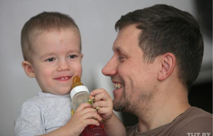 Unfpa Belarus A Man On A Paternity Leave A Bearded Nanny Or